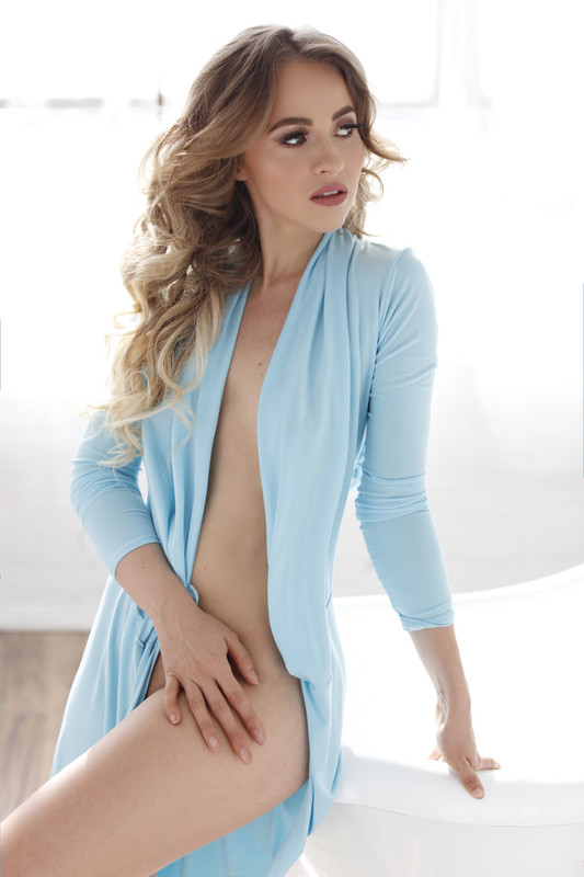 Ellen-Alexander-looks-effortlessly-sexy-while-doing-a-photo-shoot-in-LA-46qx0kp02d.jpg
