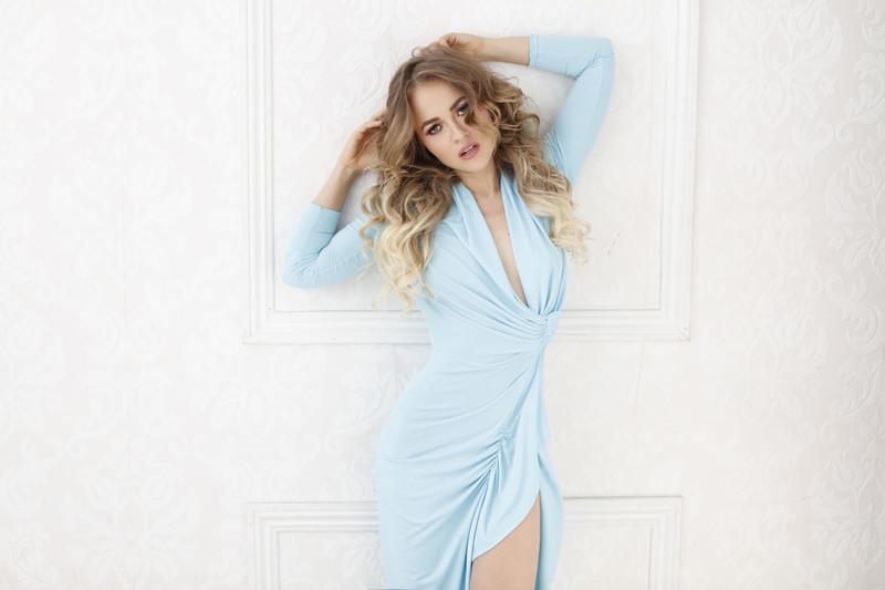 Ellen-Alexander-looks-effortlessly-sexy-while-doing-a-photo-shoot-in-LA-z6qx0krh6p.jpg