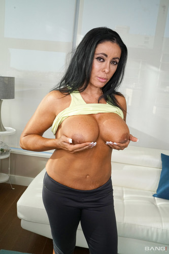 Bang! (Real MILFs) - Simone Garza's Pussy Is Ready For A Workout (1080p)