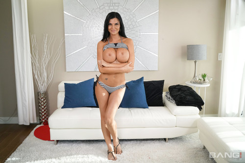 Bang! (Real MILFs) - Jasmine Jae Brings Her Friend Along For A Cuckhold Fuck (1080p)
