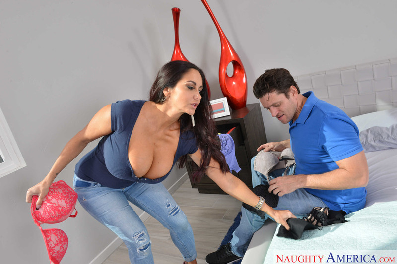 Ava Addams : Fucking in the bedroom with her brown eyes ## NAUGHTY AMERICA v6rqdtfyxw.jpg