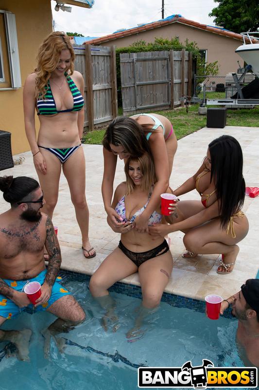 Rose Monroe, Valentina Jewels & Krissy Lynn : Pool Side Fuck Fest  ## BANG BROS n6rqtn4s7y.jpg