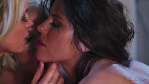 MommysGirl 18 10 20 Adriana Chechik India Summer And Christie Stevens Aunts Gonna Catch Us XXX 1080p MP4-KTR