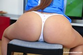 Olivia Nice - Chubby teen Using her Favourite Toy 10-20 m6rujtre3w.jpg