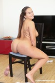 Olivia Nice - Chubby teen Using her Favourite Toy 10-20 z6rujvsbhh.jpg