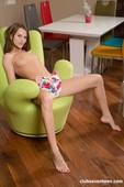 Marselina-Fiore-Lovely-Brunette-Masturbating-At-Home-10-23-46rwur760q.jpg