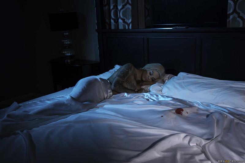 Bonnie-Rotten%2C-Kira-Noir-%3A-He-Came-At-Night%3A-Part-2-%23%23-BRAZZERS-o6scu8ajfu.jpg