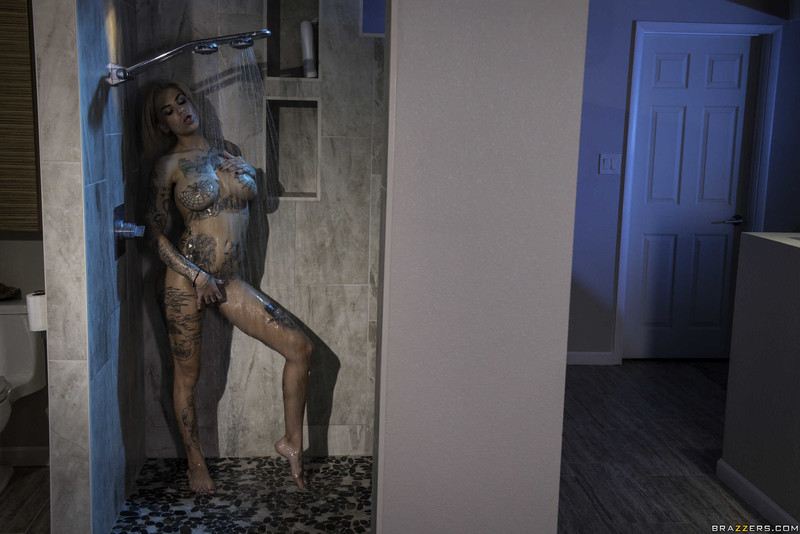 Bonnie-Rotten-%3A-He-Came-At-Night%3A-Part-3-%23%23-BRAZZERS-s6sctb26vv.jpg