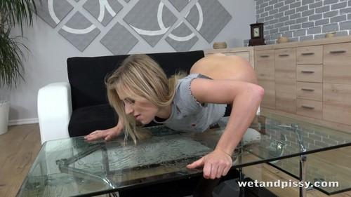 WetAndPissy 18 11 06 Lindsay Cruz American Beauty XXX 2160p MP4-KTR