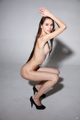 Leona-Mia-Skinny-Girl-11-14-76s4bisfu6.jpg