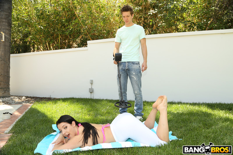 Angela-White-%3A-Huge-Tits-Squirt-During-Anal-%23%23-BANG-BROS-v6s3o1b2jx.jpg