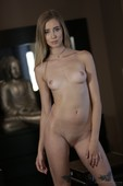 Haley-Reed-Glamour-12-03-66ssd39xqi.jpg