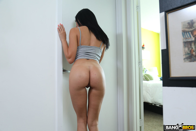 Victoria-June-%3A-Busty-Victoria-Fucks-Her-New-Roommate-%23%23-BANG-BROS-z6sx4ifkpa.jpg