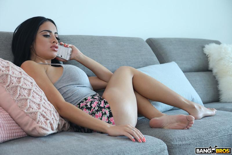 Victoria-June-%3A-Busty-Victoria-Fucks-Her-New-Roommate-%23%23-BANG-BROS-16sx4d2ngp.jpg