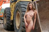 Melissa-K.-Huge-2-12-11-56tachhd4u.jpg