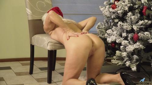 Anilos 18 12 23 Sylvie Happy Holidays XXX 1080p MP4-KTR