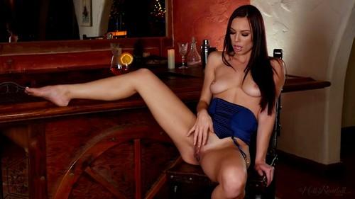 HollyRandall 18 12 27 Aidra Fox Raise The Bar XXX 1080p MP4-KTR