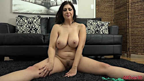 AllOver30 19 01 10 Jasmine S Mature Housewives XXX 1080p MP4-KTR