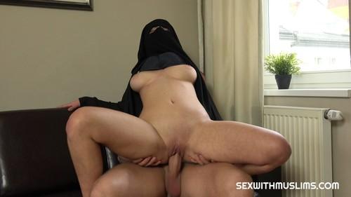 SexWithMuslims 19 01 11 Lili Sommer CZECH XXX 2160p MP4-KTR
