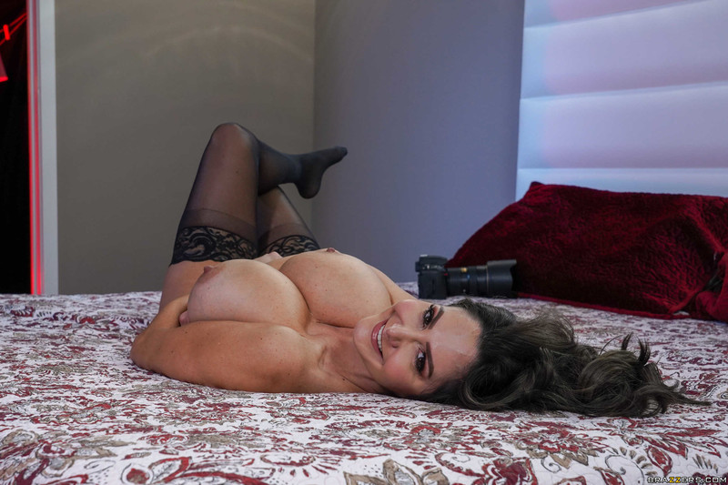 Ava-Addams-%3A-Pictures-of-Her-%23%23-BRAZZERS-h6tu667456.jpg