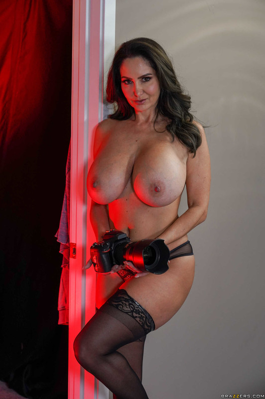 Ava-Addams-%3A-Pictures-of-Her-%23%23-BRAZZERS-66tu643v5i.jpg