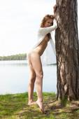 Laina-Outdoor-Beauty-01-19-d6txn3pveo.jpg
