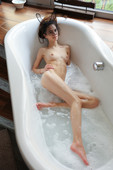 Leona Mia - Relaxing in The Bath 01-29n6uhxotxhm.jpg