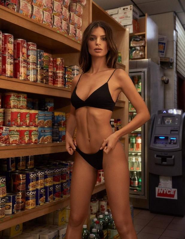 Emily-Ratajkowski-presents-her-new-Inamorata-%E2%80%9CBody%E2%80%9D-collection-%28February-201-j6u8q2bhi3.jpg