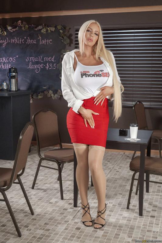 Angela-White%2C-Nicolette-Shea-%3A-Caught-Talking-Dirty-%23%23-BRAZZERS-16upfnk3l4.jpg