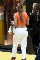 Jennifer-Lopez-%E2%80%93-Sexy-Candids-in-Miami-w6uujbwe57.jpg