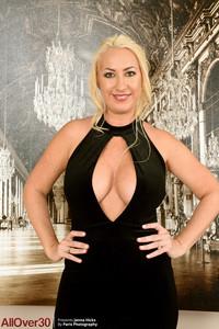 Janna Hicks @ll 0v3r 30 - Elegant Ladies