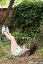Shelley-Bliss-Masturbating-in-garden-hammock-02-23-z6vbvg83vw.jpg